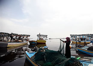 İsrail'den Gazzeli balıkçılara 3 mil yasağı