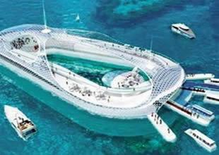 Denizaltı feribot ve kruvaziyer karışımı otel