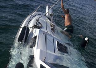 Gökova'da kayalıklara çarpan tekne battı