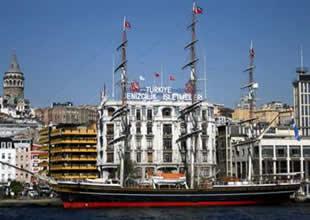 Clipper İstanbul'da deniz tutkunlarıyla buluştu