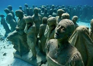 Meksika açıklarında 400 heykelli sualtı müzesi