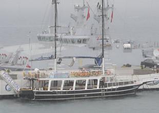 Feribotun çarptığı teknede hasar var