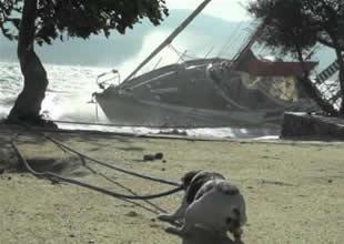 Bodrum'u lodos vurdu, bir tekne battı