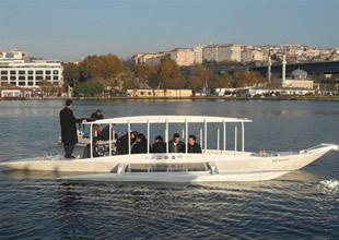 """YTÜ""""den hidrojen ve güneş çalışan tekne"""