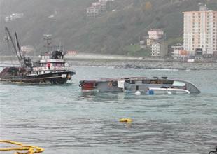 Rize'de karaya oturan tekne, batırıldı