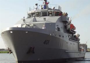 ABD Irak'a iki OSV gemisini teslim etti