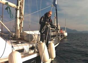 Motoru arızalanan tekne kaptanı kurtarıldı