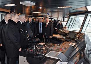 Rusya'nın yeni buzkıran ve denizaltısı