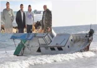 Barınağa giremeyen tekne alabora oldu