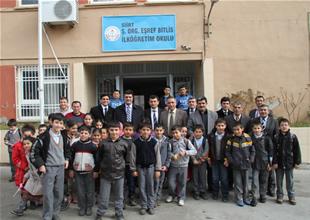 GİSBİR'den  Siirt'e kitap ve giyim yardımı
