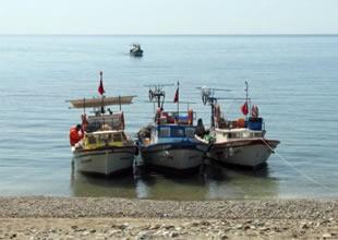 Balalan balıkçı barınağındaki tekne çalındı