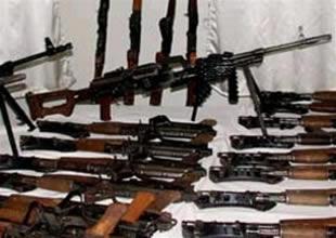 Taşucu'nda suikast silahları yakalandı