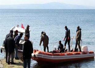 Kayıp balıkçıların teknesi bulundu