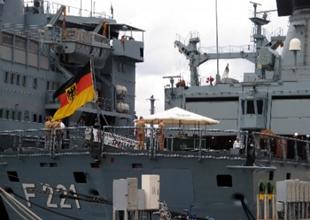 NATO gemileri Marmaris'e demir attı