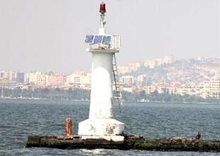Deniz fenerleri güneş enerjisi ile çalışıyor