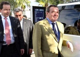Gerhard Schröder'de Bodrum aşığı çıktı