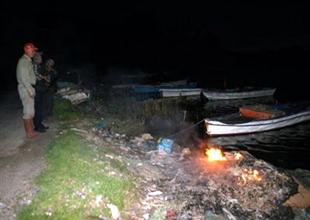 Didim'de kullanımı yasak olan ağlar yakıldı