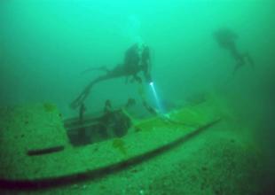 Hitler'in denizaltısı meraklılarını bekliyor