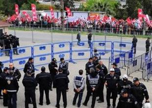 İzmir'deki 'gizli belge' davası başladı