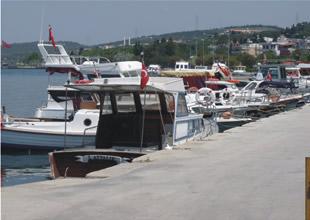 Aliağalı balıkçılara liman artık dar geliyor