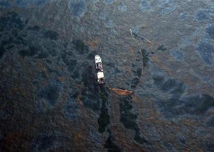 Denizlerdeki kirliliğe karşı petrol sorbenti