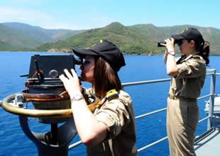 """Türk savaş gemisinde """"Kadın"""" olmak"""