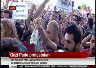 """NTV önünde """"Medya"""" protesto ediliyor"""
