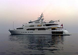 Yüzen saray SAMAR Kepez Limanı'nda