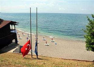 Ceneviz Kalesi Plajı'na Mavi bayrak