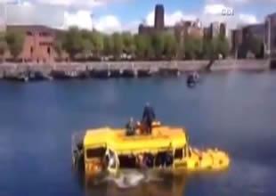 İngiltere'de amfibi otobüs böyle battı