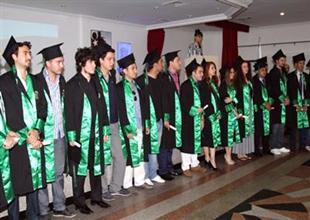 Barbaros Yüksek Okulu'nun ilk mezunları