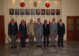 DTO İzmir şubesi, Vali Toprak'ı ziyaret etti