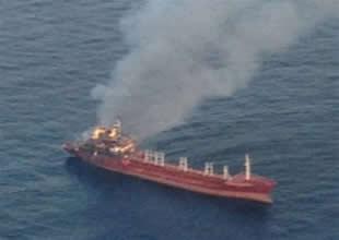 Türk tankeri Nazo S İtalya'da yandı