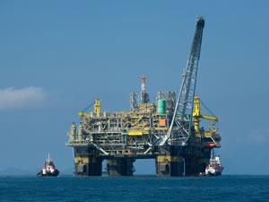 Lukoil Hazar Denizi'nde 25'ten fazla petrol platformu kuracak