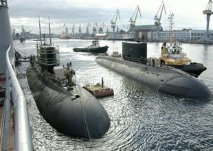 Merkel, Avusturalya'ya 12 denizaltı satmak istiyor