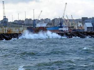 Ege Denizi'nde fırtına kabusu devam ediyor