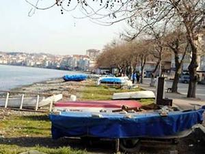 Çınarcık'ta sahildeki teknelerini kaldırmayana ceza yolda!