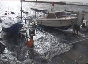 Kocaeli'nde fırtına ve lodos 100 tekneyi batırdı