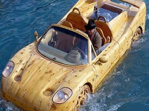 Ferrari görünümlü tekne şaşırtıyor