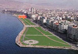 İzmir'de deniz kirliliği azalıyor