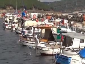 Hayallerini süsleyen balıkçı teknelerini kendisi imal ediyor