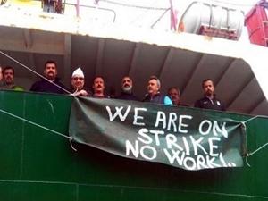 Türk gemiciler Aralık ayından bu yana gemide mahsur!