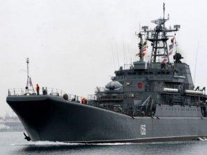 Rusya 20 gemi ile Arktika'da tatbikat yaptı