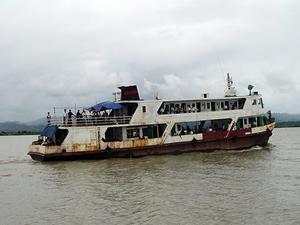 Myanmar'da feribot battı: 21 ölü, 47 kayıp