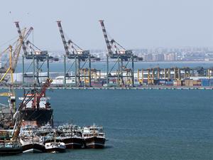 Yemen'deki limanlar uluslararası gemi trafiğe kapatıldı
