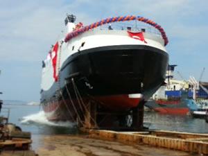 Norveçli Boreal Transport'a inşa edilen arabalı vapur, Ada Tersanesi'nde denize indirildi