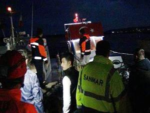 Fırtına nedeniyle sürüklenen teknedekiler kurtarıldı