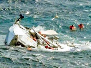 Cafer Dede Gemisi Atlas Okyanusu'nda iki yatçıyı kurtardı