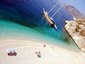Dünyaca ünlü Kaputaş Plajı'nı belediye işletecek