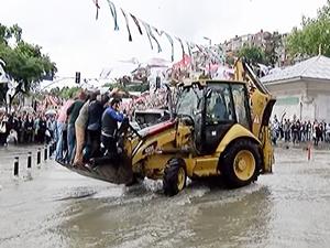 Üsküdar'da yağışla birlikte denizle kara yine birleşti